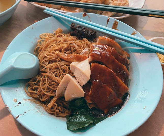 Soya Sauce Chicken with Thin Noodles ($4)