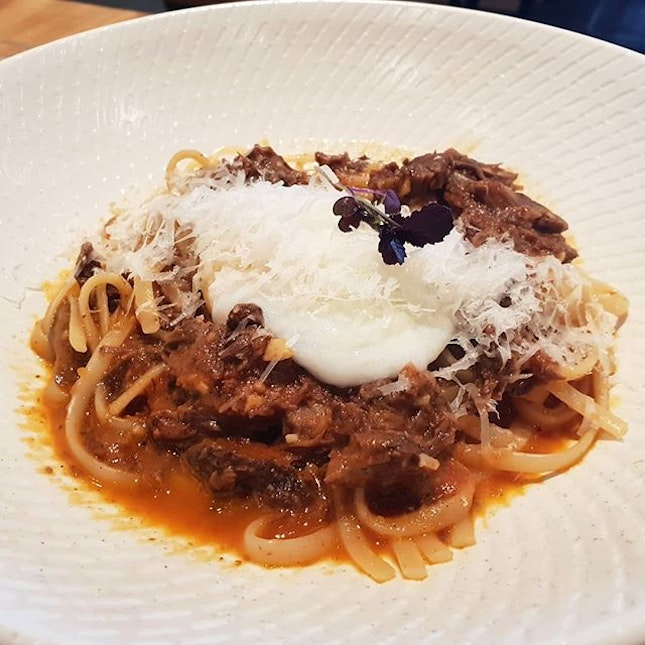 [📍Singapore] Really impressed with the food & plating from The Communal Place!😍💯 The Beef Cheeks Ragu here is a simple yet delicious dish - the al dente pasta was well-coated with the sauce and the perfectly poached egg completed the dish.