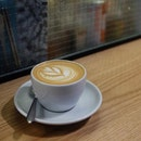 Latte (HKD 40) .