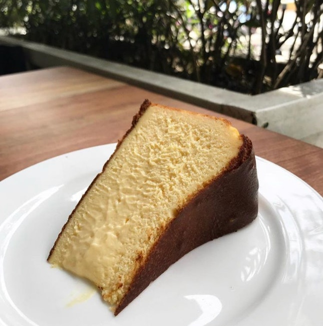 Burnt cheesecake