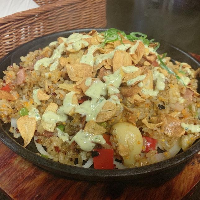Garlic Sizzling Rice(S$23)