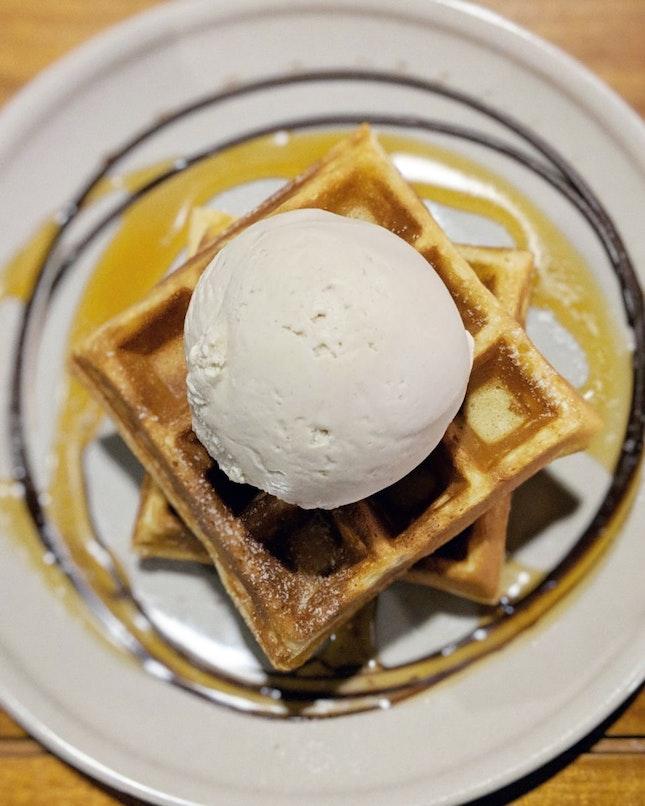 earl grey lavender ice cream witb waffles • $10.30