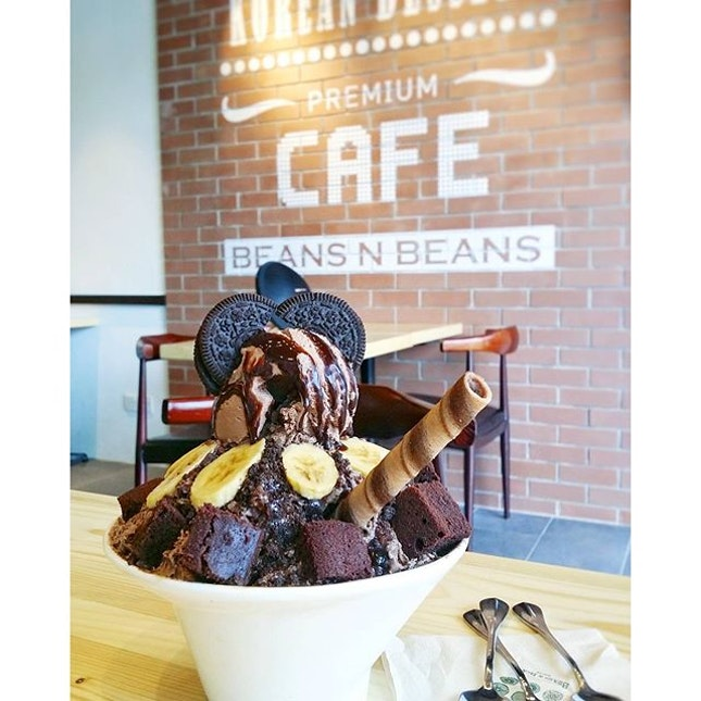 Beat the heat and haze with some icy cold Korean bingsu from 9am to 12am.