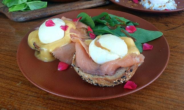 Bagel Eggs Benny ($14)
