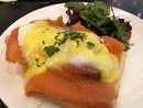 Salmon Eggs Benedict - Bland, cold and disappointing