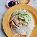 A rare chance that I would drop by for lunch at buona vista area and I was recommended to this chicken rice stall tucked at a corner of a coffee shop.