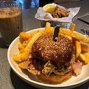 🐰 Fried Chicken Burger.