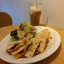 Comfort Food In A Cosy Cafe