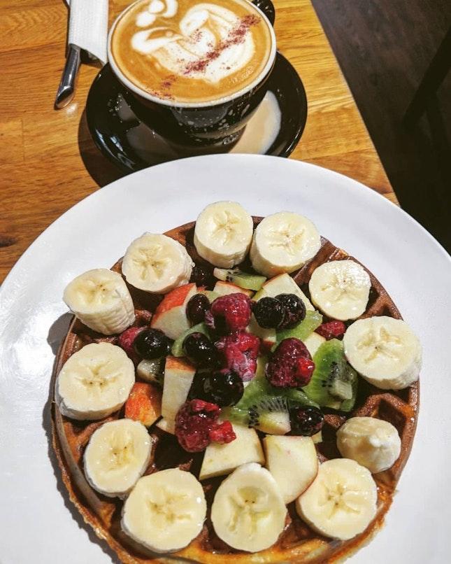 Fruity Waffle & Rose Latte