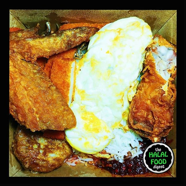 Nothing spells comfort food more than nasi lemak especially from good ol Crave.