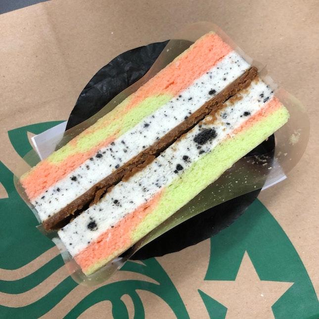 Cookies And Cream Cheesecake Sandwich