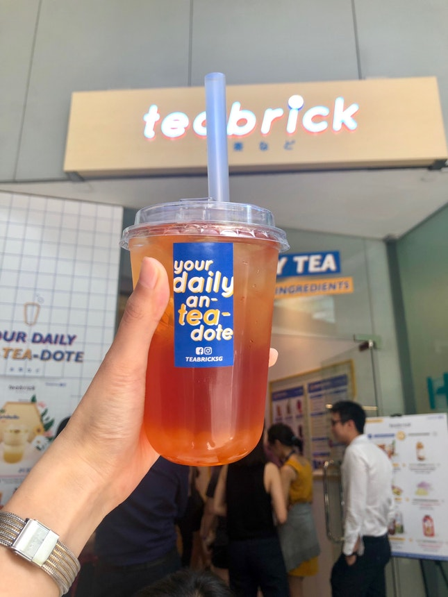 Earl Grey Cold Brew With Passionfruit Boba