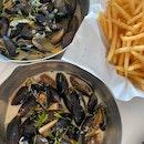 Marinieries & Thailandaises Mussels