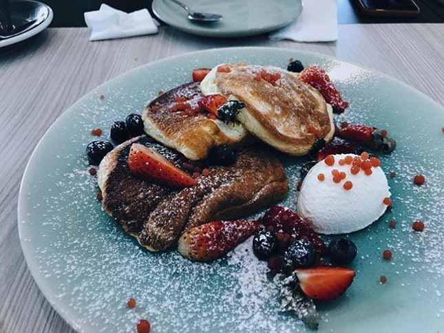 What a breakfast joy | soufflé pancake from @theotherhalfcafe | #brunch #pancake #burpple