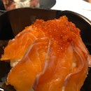 Salmon Sashimi / Ikura Don