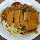 Love the fried beehoon and kwayteow with fish cutlet from this stall.
