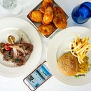 Recently my friend and I had brunch at Pool Grill at Mariott Tang Plaza Hotel, and we were was able to redeem 1-for-1 mains using her ENTERTAINER with HSBC app.