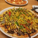Peaking Duck Pizza
