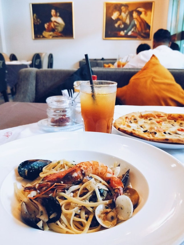 What To Eat In MONT KIARA