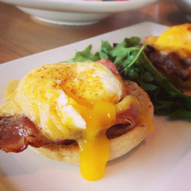 Eggs Benedict @ Prive