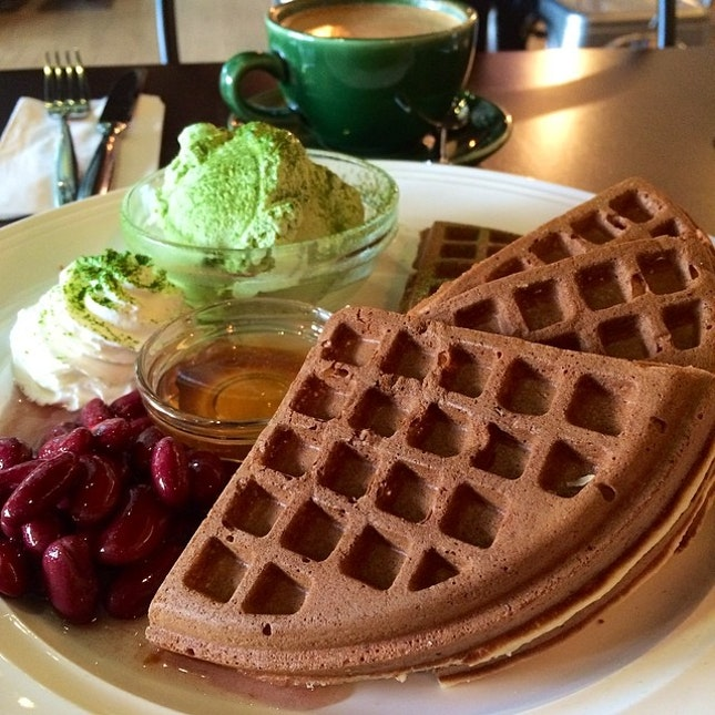 waffles @ headmost cafe, JB