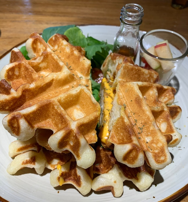 Fluffy And Delicious Waffles 😍