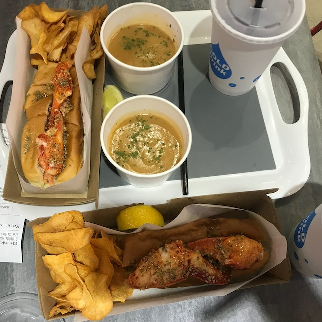 Lobster Roll And Bisque Set