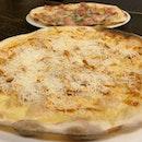 Garlic Snowing & Meatatarian Pizza   $25