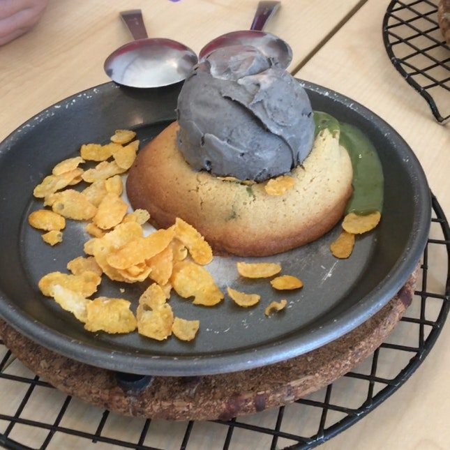 Black Sesame Ice Cream & Matcha Cookie Lava Set