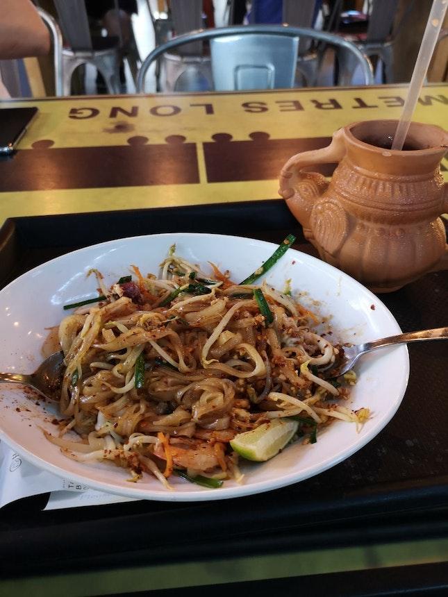 Pad Thai Seafood, Ice Milk Tea