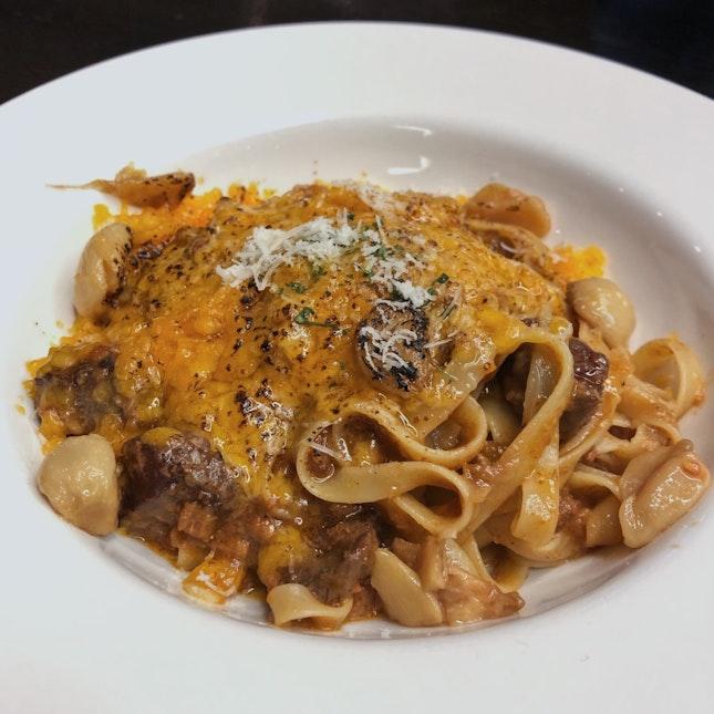 Garlic Ragu Fettuccine | $26++