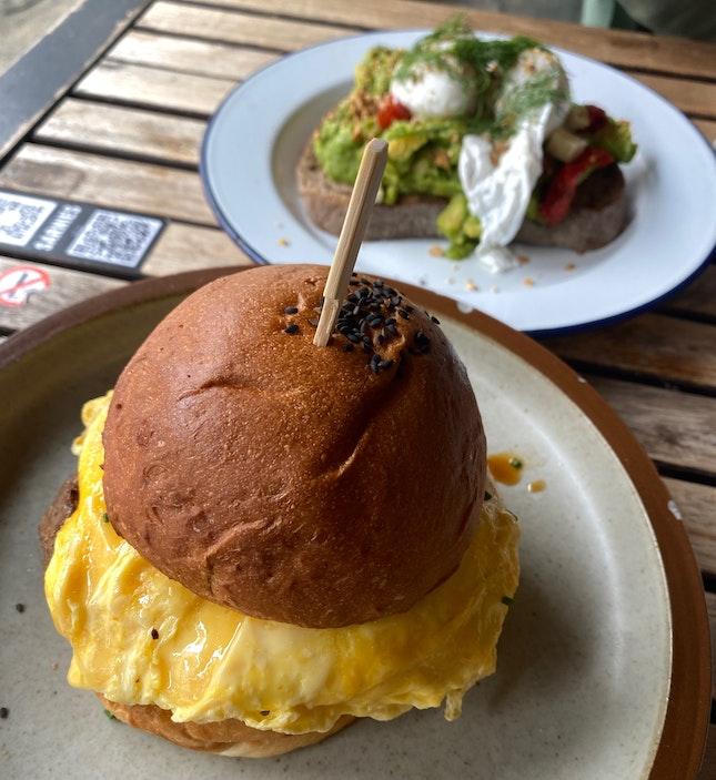 Bfast Burger & Avocado Toast