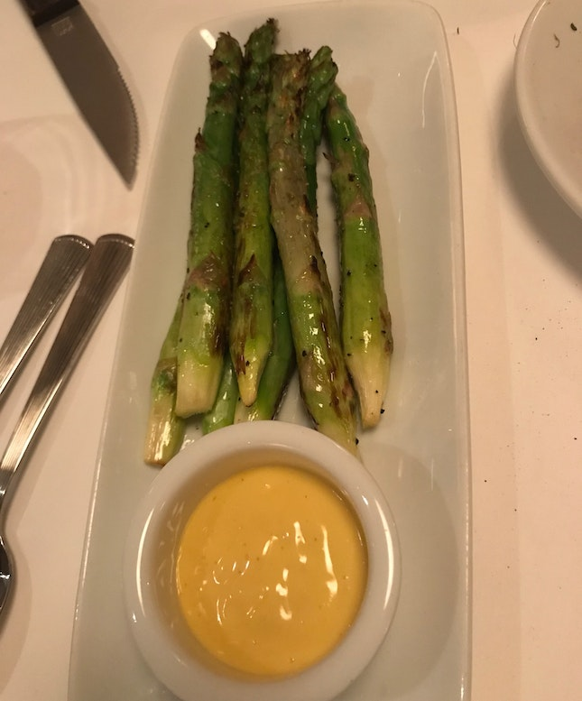 Grilled Asparagus With Hollandaise