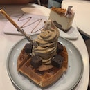 Hojicha Waffles W Ice Cream & Speculoos Cheesecake