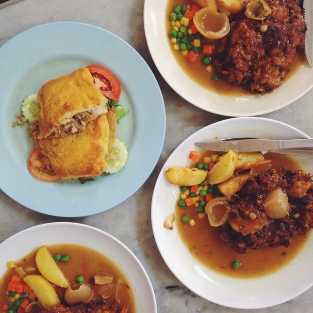 Hainanese Chicken Chop & Roti Babi