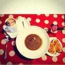 MakanTime 😋 #latelunch#hotchocolate#mushroomsoup#bakeycafe#coffeehunt#coffeeaddict#bread#foodporn#foodhunt#instadaily#yummyfood#subang#taipan#afternoonchill#warmmystomach#