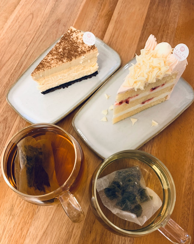Quality cakes and tea