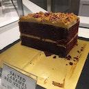 salted caramel red velvet cake
