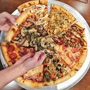 This is how I like my pizza to be served.