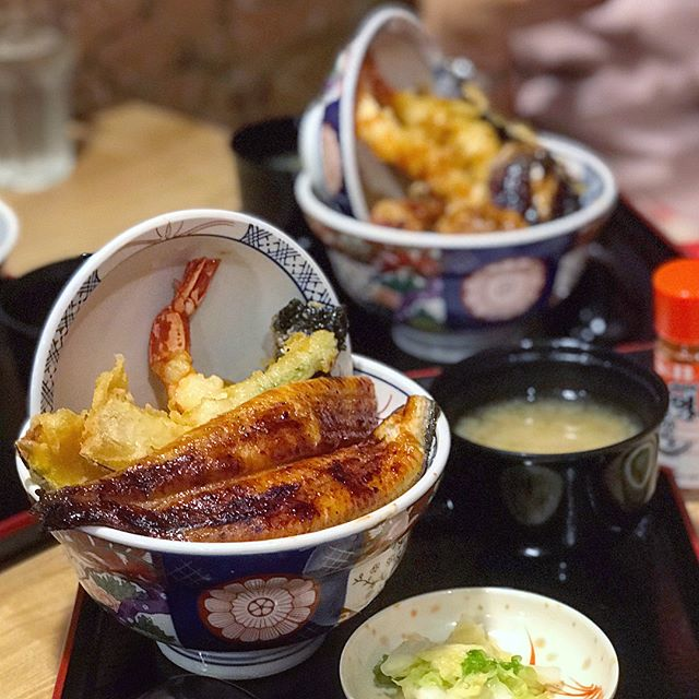 Wow, tendon, unagi and ramen, all under one roof!