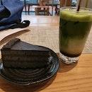 Goma Cake & Matcha Hojicha Latte