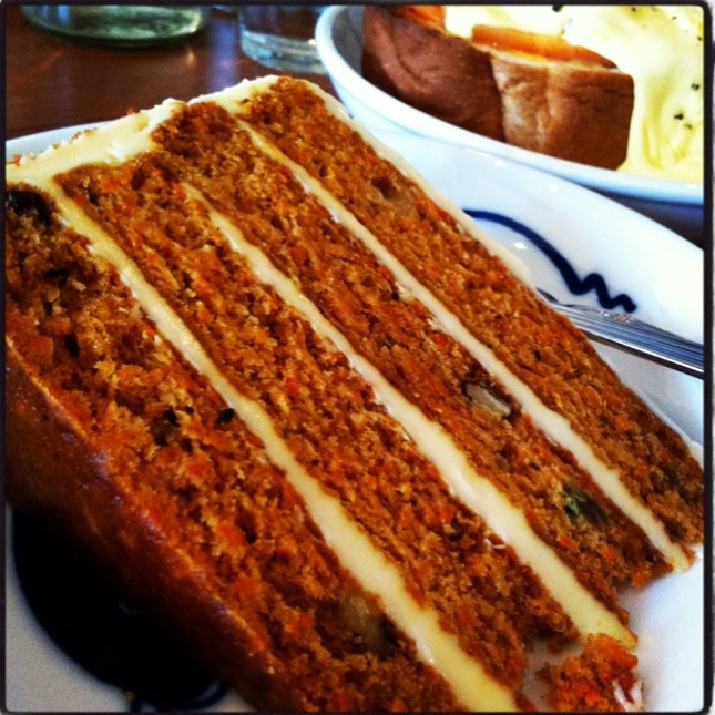 4-layered carrot cake