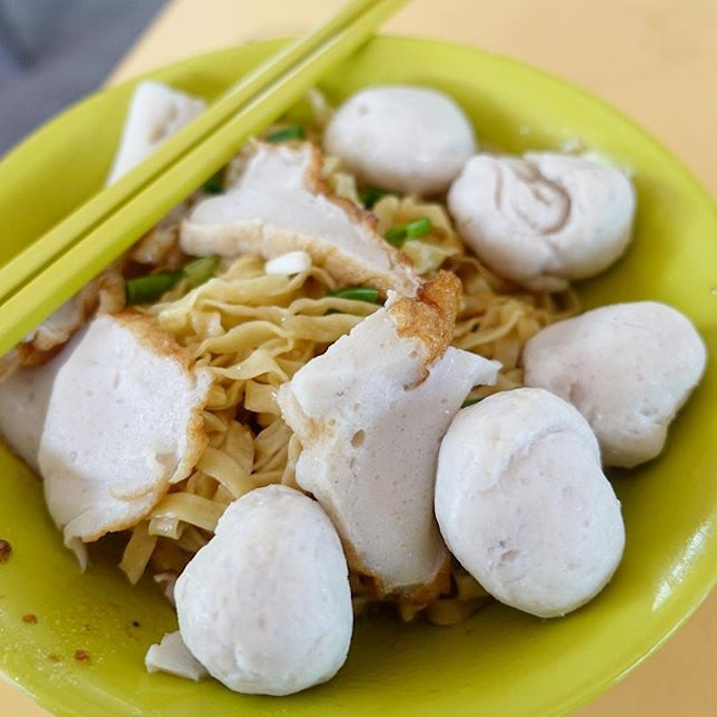 Fishball noodles-$5  Thye Hong fishball noodles is one of the many hawker legends at Ghim Moh market.