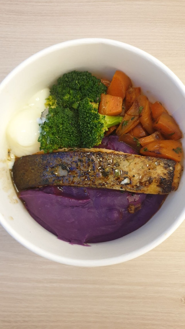 Sous Vide Salmon, Sweet Potato, Egg, Broccoli & Carrot