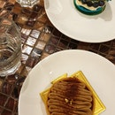 Nutella Tart & Blueberry Macaroon