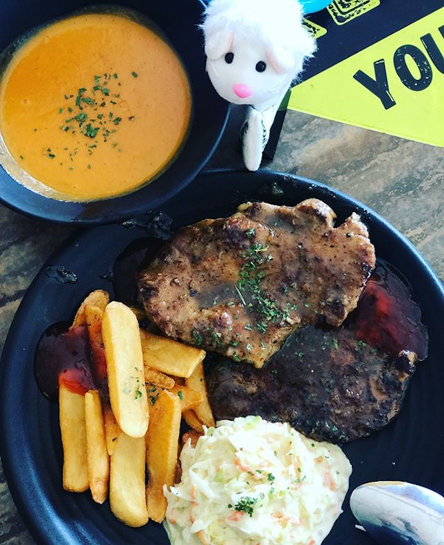 #wildolives serves delicious western food and good value for money.