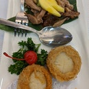 Chilled Shredded Roast Duck Salad & Scallops Wrapped In Yam Ring