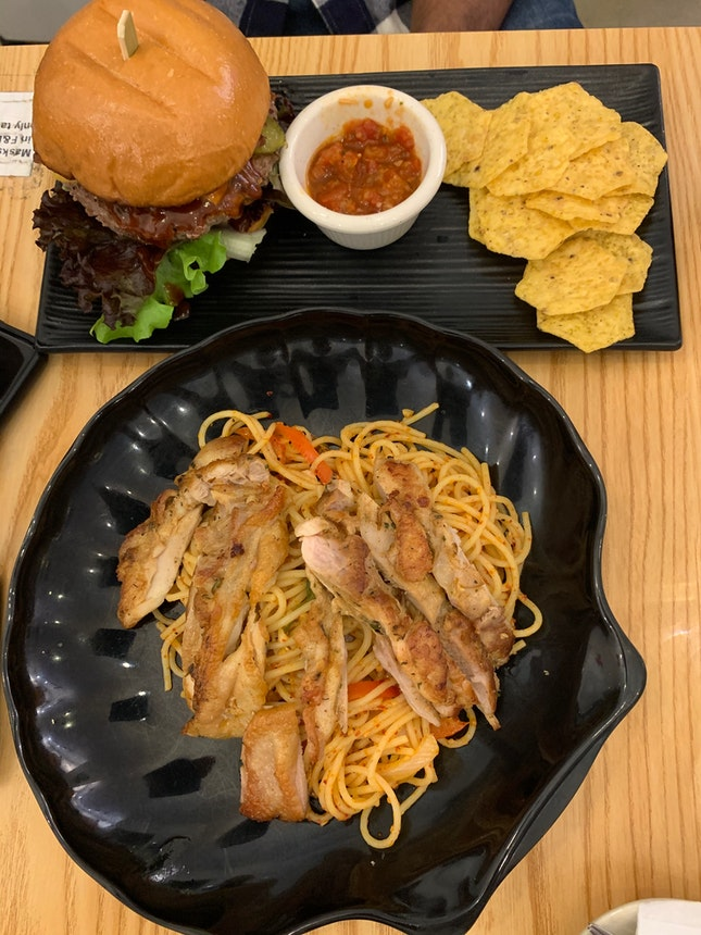 1F1 chicken pasta and cheese burger