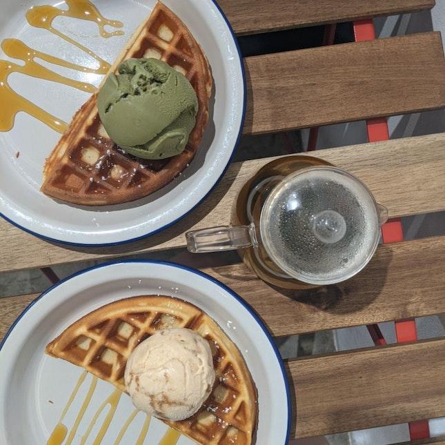 Ice Cream Waffles @ 100Labs
