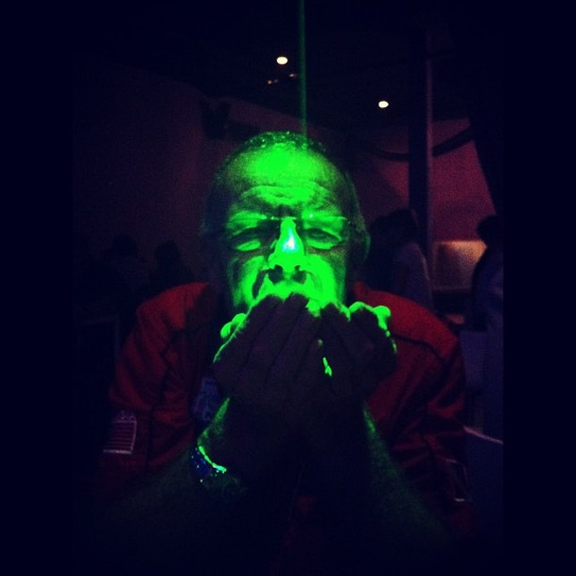#MIDE #2013 #dinner #scuba #expo — #awesome  #family #uncle Adrian #eating #green #lights #fun #time #funny #moment